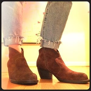 Like new! Born western suede booties, size 9.5M